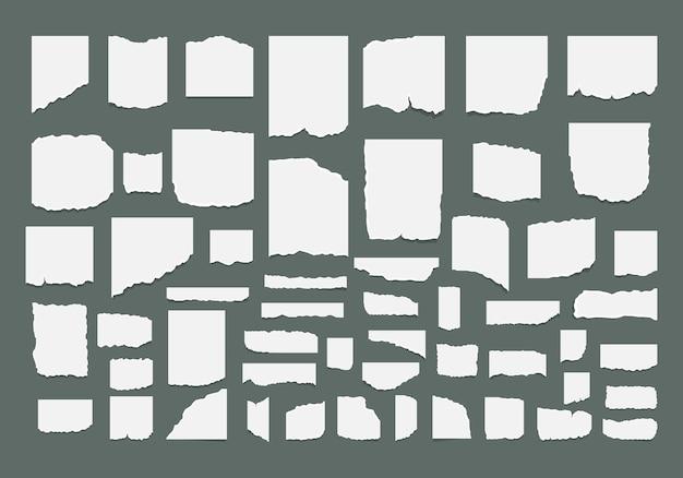 Zestaw podartych, zgranych arkuszy papieru z naklejką. podarte arkusze notatnika, strony tekstury.