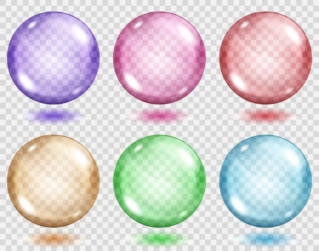 Zestaw półprzezroczystych kolorowych kulek z cieniami na przezroczystym tle. przezroczystość tylko w formacie wektorowym