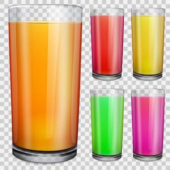 Zestaw przezroczystych szklanek z nieprzezroczystym kolorowym sokiem. na tle w kratkę.