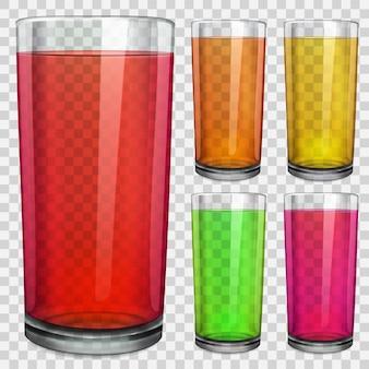 Zestaw przezroczystych szklanek z przezroczystym kolorowym sokiem. na tle w kratkę.