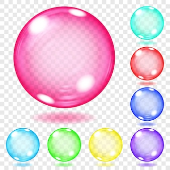 Zestaw przezroczystych szklanych kulek w różnych kolorach z odblaskami i cieniami. przezroczystość tylko w pliku wektorowym