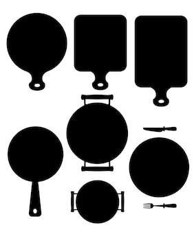 Zestaw przyborów kuchennych. drewniana deska do krojenia, patelnia, patelnia i biały talerz ceramiczny. czarny dla strony internetowej lub menu restauracji, etykiety. płaskie ilustracja na białym tle.