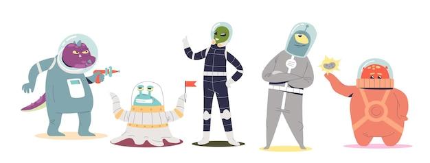 Zestaw przyjaznych kosmitów kreskówek. grupa potworów komiks przestrzeni na białym tle. zabawna kolekcja podróżnych galaktyki. płaska ilustracja wektorowa