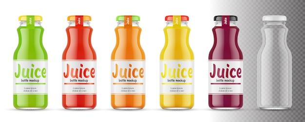 Zestaw pustych i pełnych szklanych butelek po soku. opakowania na napoje owocowe z szablonami etykiet. realistyczna ilustracja na przezroczystym tle