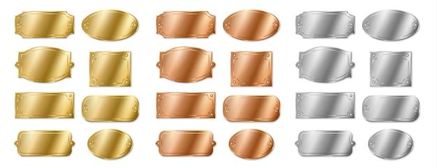 Zestaw pustych tabliczek imiennych, tabliczki szablonowe srebrne, złote i brązowe. odznaki makiety do identyfikacji, rama szablon na tabliczce znamionowej na białym tle. realistyczna ilustracja wektorowa 3d