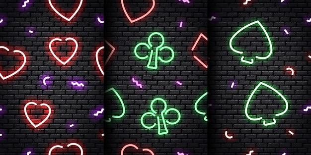 Zestaw realistycznego neonowego wzoru koloru karty na bezszwowej ścianie.