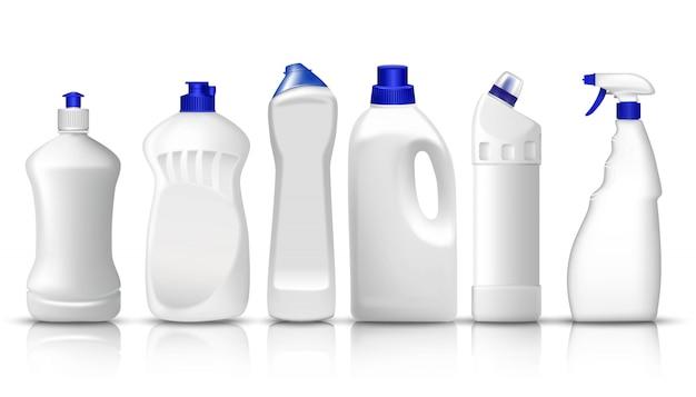Zestaw realistycznych białych plastikowych butelek z płynnym detergentem do prania, płynem do płukania, płynem do mycia naczyń, sprayem do szkła. miejsce na umieszczenie tekstu lub logo marki.
