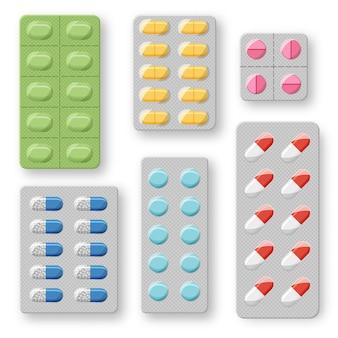 Zestaw realistycznych blistrów tabletek z tabletkami i kapsułkami. plastikowe opakowanie z lekami