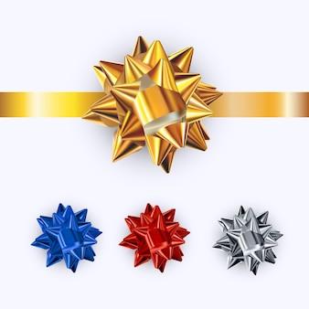 Zestaw realistycznych błyszczących kokardek na białym tle. kokardki prezentowe w kolorze złotym, srebrnym, czerwonym, niebieskim.