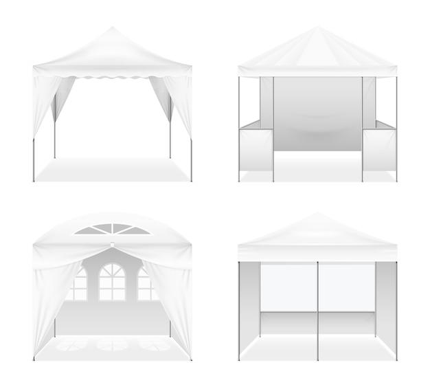 Zestaw realistycznych namiotów składanych na zewnątrz