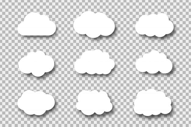 Zestaw realistycznych papierowych chmurek do dekoracji i pokrycia na przezroczystym tle.