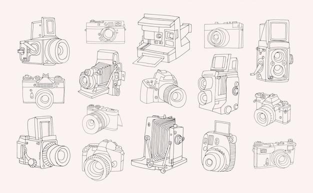 Zestaw różnych aparatów fotograficznych. ręcznie rysowane kontur kolekcja w stylu bazgroły.