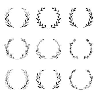 Zestaw różnych okrągłych ramek kwiatowych i laurowych