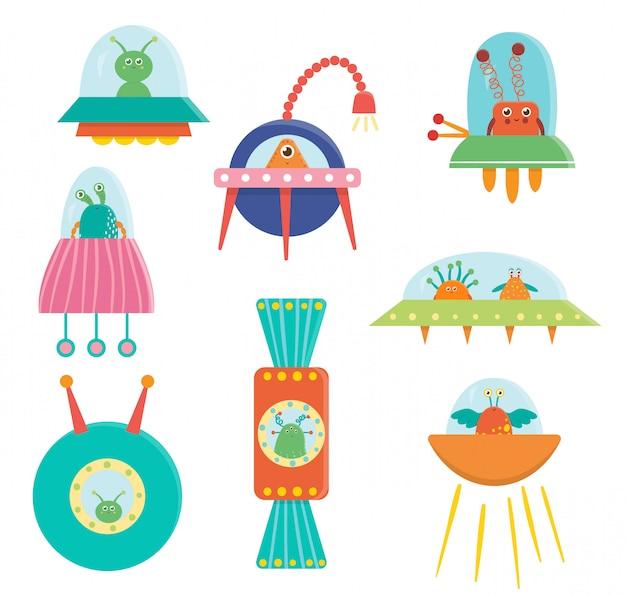 Zestaw ślicznych kosmitów, ufo, latający spodek dla dzieci. jasna i zabawna płaska ilustracja uśmiechniętych istot pozaziemskich siedzących w transporcie kosmicznym.