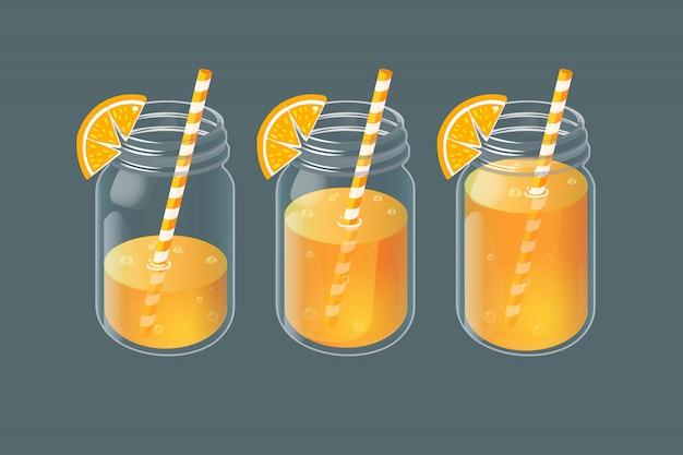 Zestaw słoików z domową lemoniadą w szklance vintage.