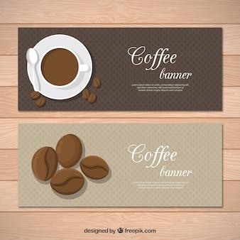 Zestaw starych banerów z kubkiem kawy i fasoli