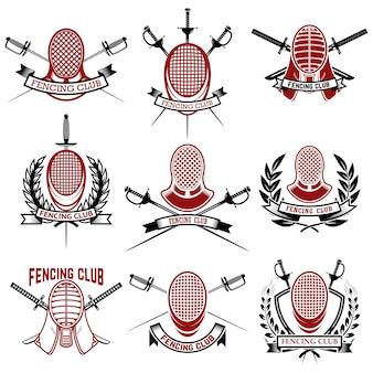 Zestaw szablonów emblematów klubu szermierczego. rapira, szermiercza osłona twarzy. elementy logo, etykiety, odznaki, znak, znak marki. ilustracja