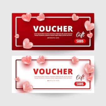 Zestaw szablonów kart podarunkowych z kuponem na zakupy z realistycznym wystrojem w kształcie słodkiej miłości i numerami 500 dolarów. kupon rabatowy na kartę. koncepcja szczęśliwy walentynki, ilustracji wektorowych