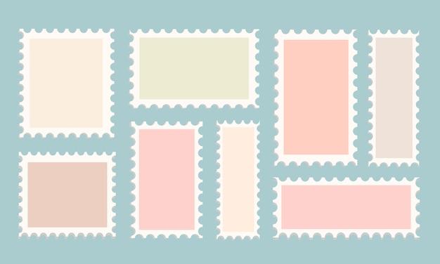 Zestaw szablonów znaczków pocztowych na na białym tle. urocze znaczki na korvert w różnych kolorach i kształtach. akcyjna ilustracja perforowany szablon dla pocztówki i projekta.