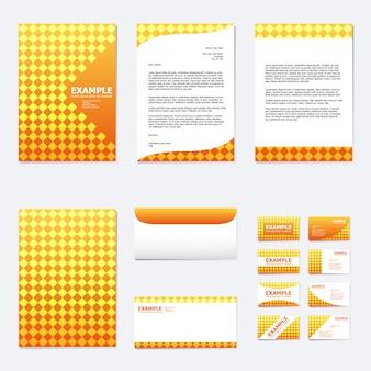 Zestaw szablonu papieru biznesowego z kwadratem na pomarańczowo