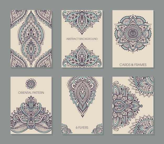 Zestaw sześciu kart lub ulotek z abstrakcyjnym ornamentem henna mehndi.