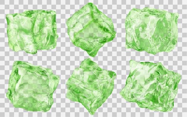 Zestaw sześciu realistycznych przezroczystych kostek lodu w kolorze zielonym na przezroczystym tle. przezroczystość tylko w formacie wektorowym
