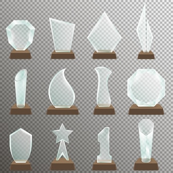 Zestaw szklanych przezroczystych trofeów z drewnianym stojakiem. nagrody trofeum szklane w realistycznym stylu.
