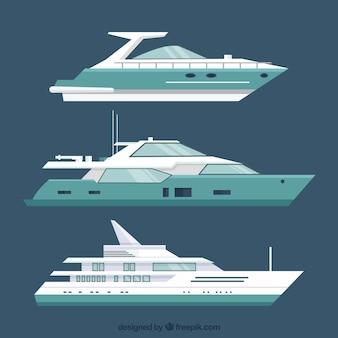 Zestaw trzech nowoczesnych łodzi