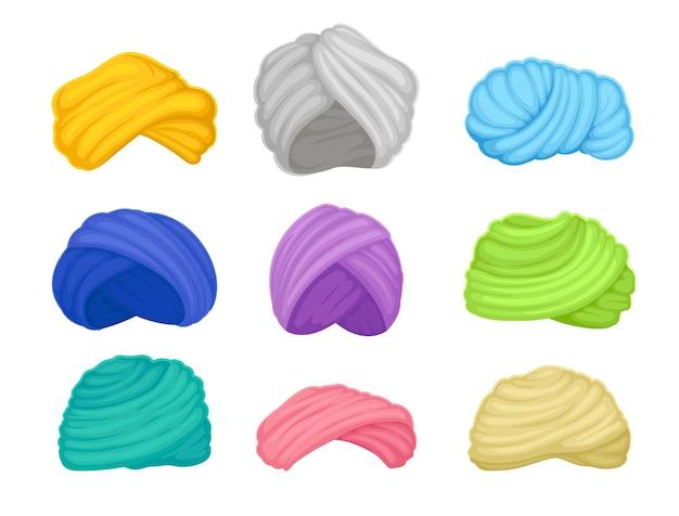 Zestaw turbanów indyjskich i arabskich o różnych kolorach. ilustracja na białym tle.