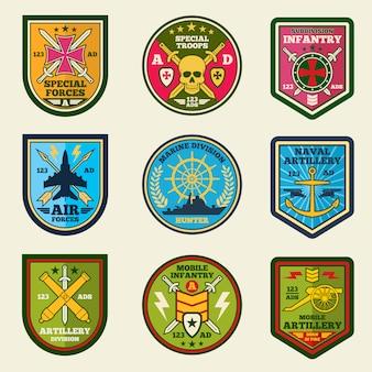 Zestaw wektor łaty wojskowe. armia wymusza emblematy i etykiety