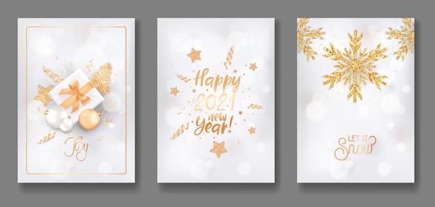 Zestaw wesołych świąt i szczęśliwego nowego roku 2021 eleganckie kartki okolicznościowe, plakaty, zaproszenia lub projekt okładki ze złotymi bombkami, prezentami, brokatem, jodłą, gwiazdami i płatkami śniegu. ilustracja wektorowa