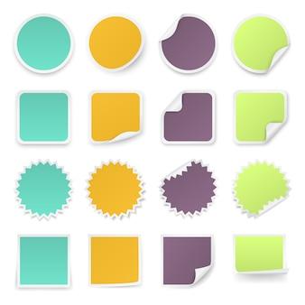 Zestaw wielobarwnych naklejek z zaokrąglonymi narożnikami w różnych kształtach.
