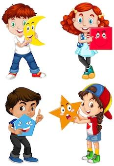 Zestaw wielokulturowych dzieci posiadających kształty geometryczne
