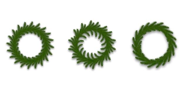 Zestaw wieniec świąteczny. realistyczna dekoracja wykonana z gałęzi jodłowych