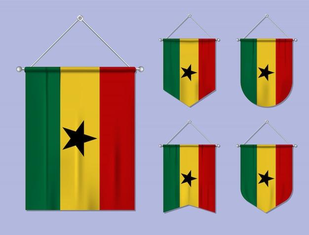 Zestaw wiszących flag ghany z tekstylną teksturą. różnorodność kształtów kraju bandery. proporczyk pionowy szablon