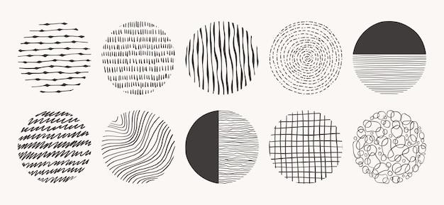Zestaw wzorów wyciągnąć rękę koło. tekstury wykonane tuszem, ołówkiem, pędzlem. geometryczne kształty bazgroły plam, kropek, okręgów, kresek, pasków, linii.