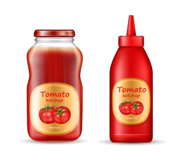 Zestaw z dwiema butelkami keczupu, plastikowymi i szklanymi słoikami z zamkniętymi pokrywkami i etykietami