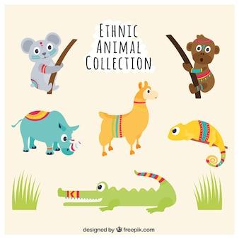 Zestaw zabawnych ręcznie malowane zwierząt ze szczegółami etnicznych