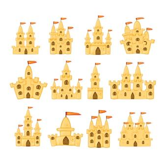 Zestaw zamków z piasku o różnych kształtach.