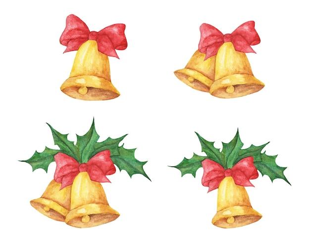Zestaw złotych dzwonków bożonarodzeniowych z czerwonymi kokardkami i ostrokrzewem. akwarela ilustracja.