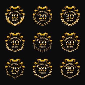 Zestaw złotych odznaki rocznica