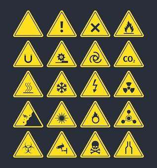 Zestaw znaków ostrzegawczych drogowych.