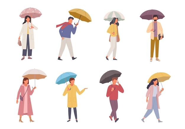 Zestaw znaków z parasolami. ludzie chodzą w deszczową pogodę parasol w różnych kolorach człowiek do pracy ze smartfonem kobieta pędzi do sklepu z torbą dobra ochrona przed złym klimatem.