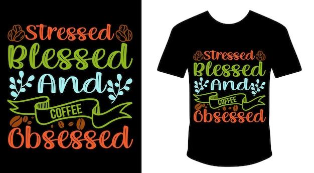 Zestresowany pobłogosławiony i mający obsesję na punkcie kawy