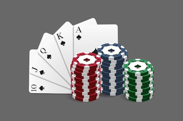Żetony do kasyna i pokera w połączeniu z kartą royal flush. ilustracja wektorowa w realistycznym stylu.