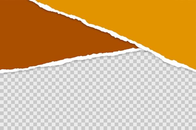 Zgrane podarte arkusze papieru na przezroczystym tle