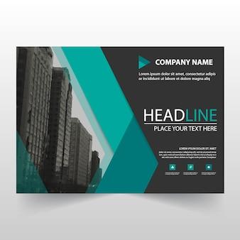 Zielony biznes trójfoldowy leaflet broszura ulotka szablonu