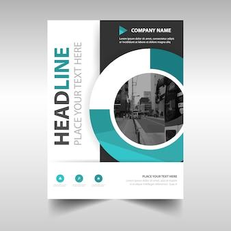 Zielony kreatywny roczny raport szablonu książki