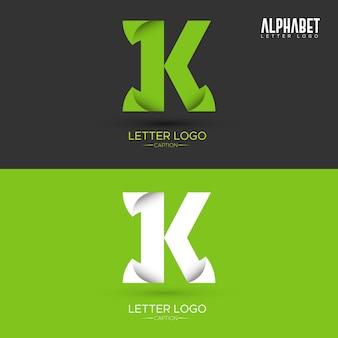 Zielony list w kształcie liści organicznych k list logo