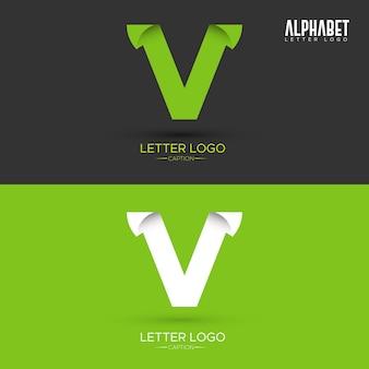 Zielony list w kształcie liści organicznych litery v logo